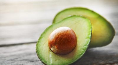 12 benefícios comprovados do abacate para sua saúde