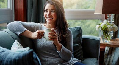 5 chás para tomar antes de dormir que vão te ajudar a ter uma boa noite de sono