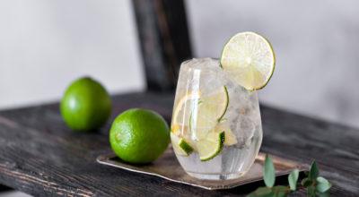 Água com limão: 8 benefícios para a sua saúde