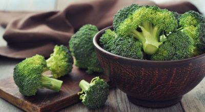 15 melhores alimentos anti-inflamatórios para incluir na dieta