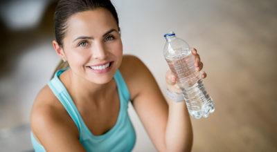 Beber água: conheça os benefícios e a importância para a saúde